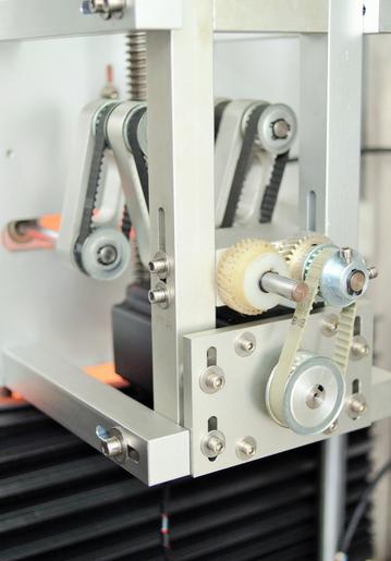 두 개의 헤드가있는 캡 및 바디 씰링 수축 슬리브 라벨링 기계