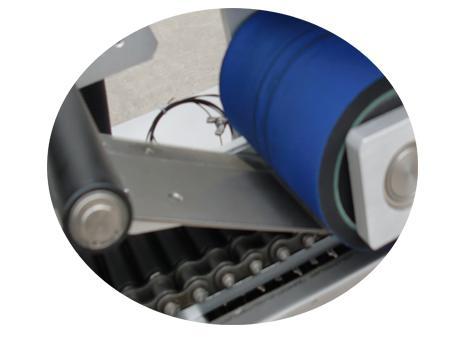 종이 튜브 라벨링 기계 500 롤러 레이 자체 접착 패브릭 스티커 라벨