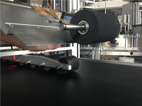 PLC 터치 스크린 자동적 인 스티커 레테르를 붙이는 기계 Comestic 가면 / 판지 가면