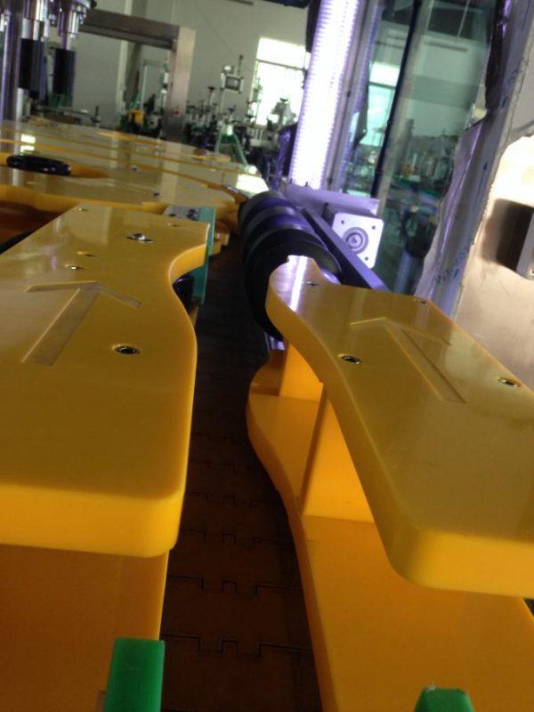 높은 생산 포도주 / 맥주 병 레테르를 붙이는 기계, 둥근 병 라벨 붙이는 사람