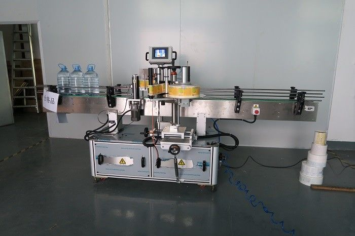 중국 5L 식용 수 둥근 병 스티커 레테르를 붙이는 기계, 기계 장치를 찌르는 자동 접착 상표 협력 업체