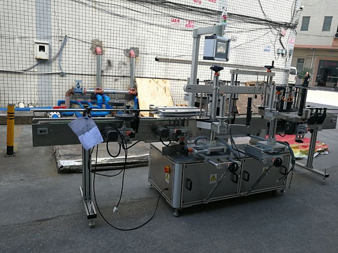 3 개의 상표 자동 접착 레테르를 붙이는 기계 110V / 380V 전압